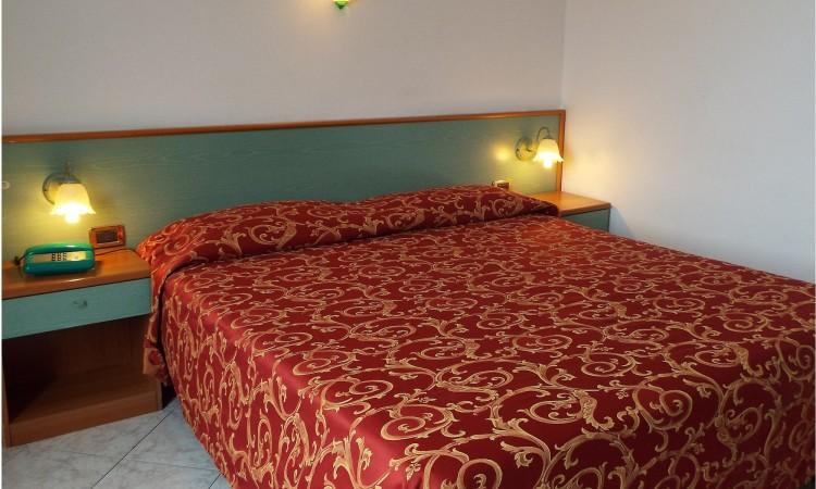 Mola Ideale - Hotel Ideale Varazze - Albergo Tre Stelle con Camere Vista Mare In Liguria - Room Mola Ideale